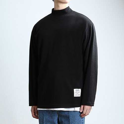 QUARTER.NECK SLEEVES (BLACK)
